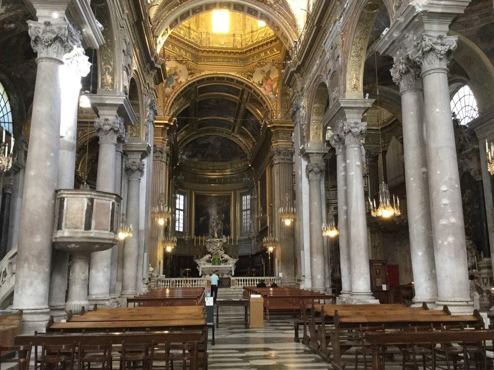 Santa Maria delle Vigne, Genoa