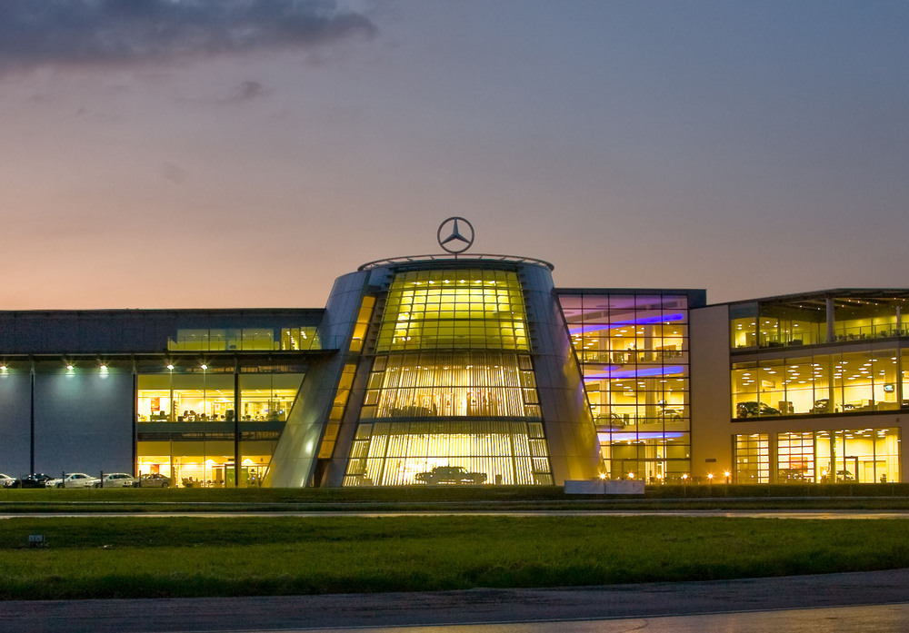mercedes-benz-world-2 copped.jpg