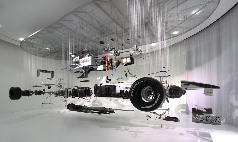 mercedes-benz-world-brings-f1-closer-to-everyone-2.jpg
