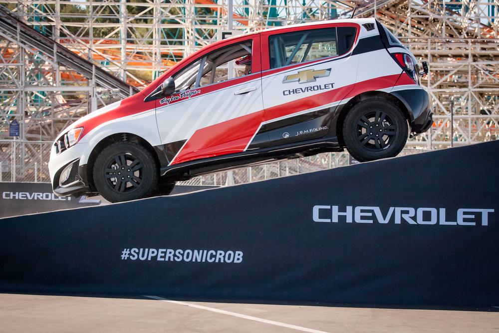 Rob Dyrdek sets reverse car jump record