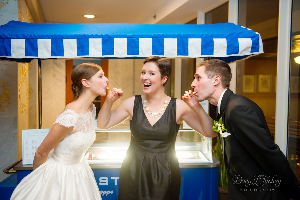 I had to finish(and cut myself off from posting the whole wedding) with the gelato cart. Such a cute photo, and seriously the best gelato I've ever had.
