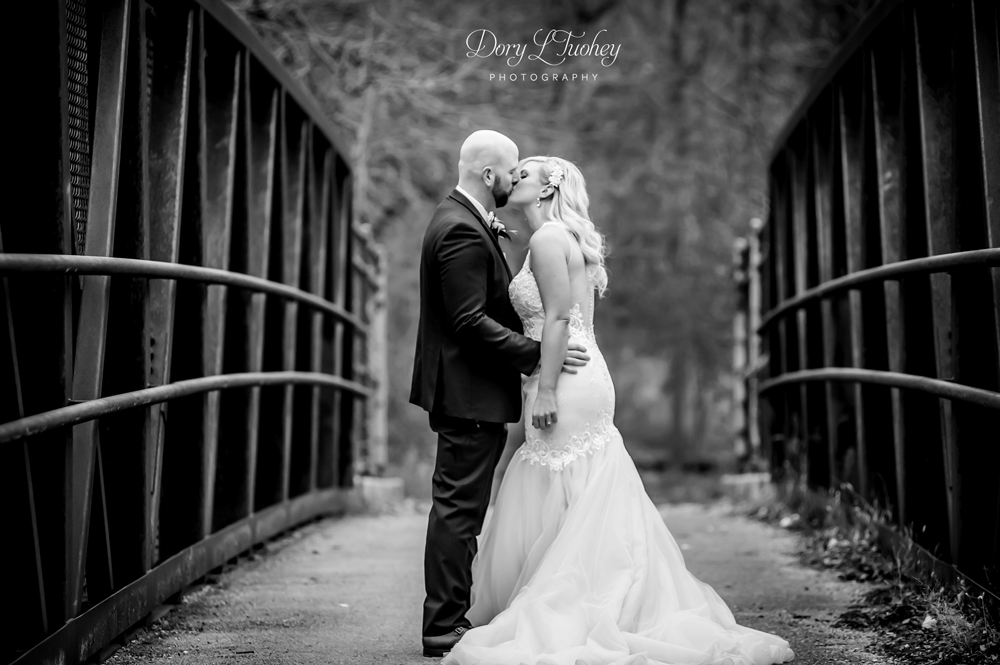Westin_north_shore_wedding_IL_Photographer_Dory_fall_bride_09.jpg