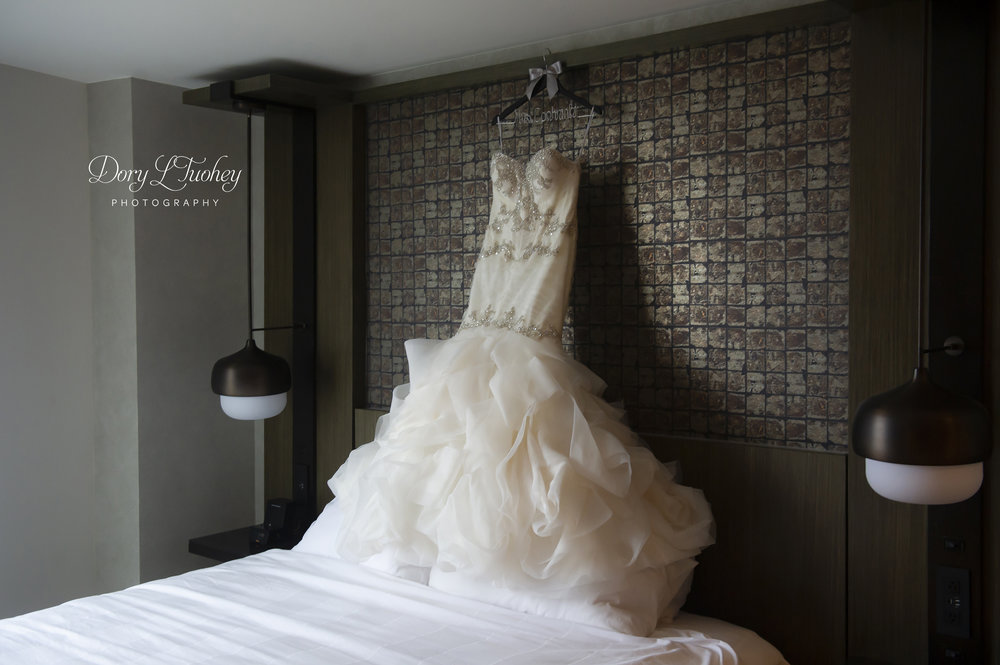 Burr_ridge__wedding_marriott_dory_photographer_illinois_gold_new_years_eve_nye_06.jpg