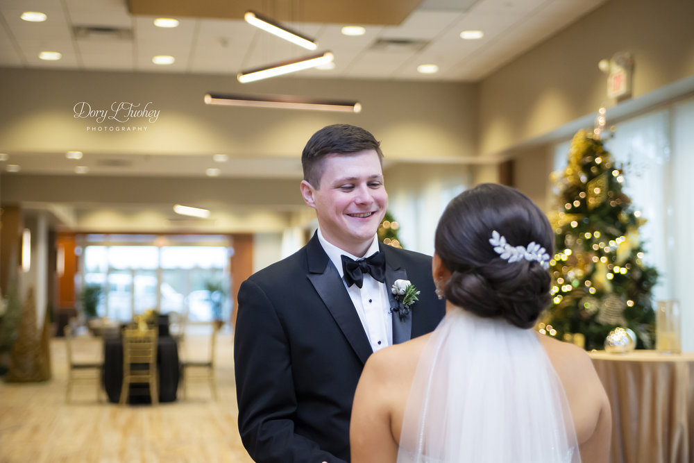 Burr_ridge__wedding_marriott_dory_photographer_illinois_gold_new_years_eve_nye_10.jpg