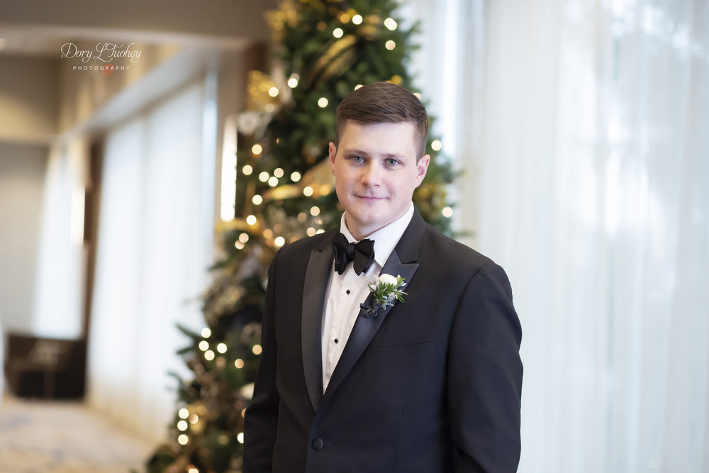 Burr_ridge__wedding_marriott_dory_photographer_illinois_gold_new_years_eve_nye_13.jpg