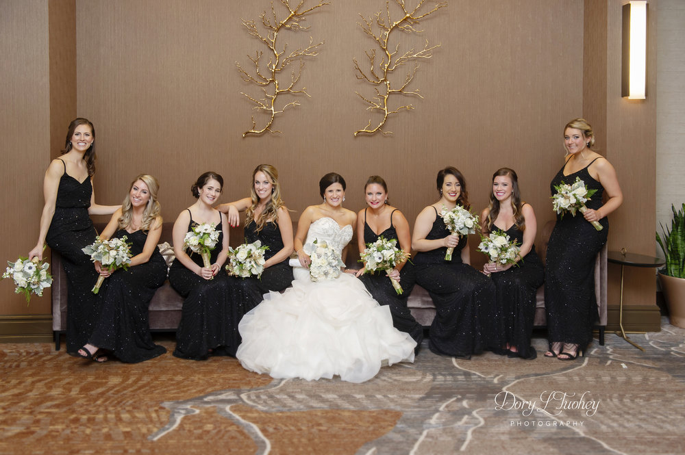 Burr_ridge__wedding_marriott_dory_photographer_illinois_gold_new_years_eve_nye_16.jpg