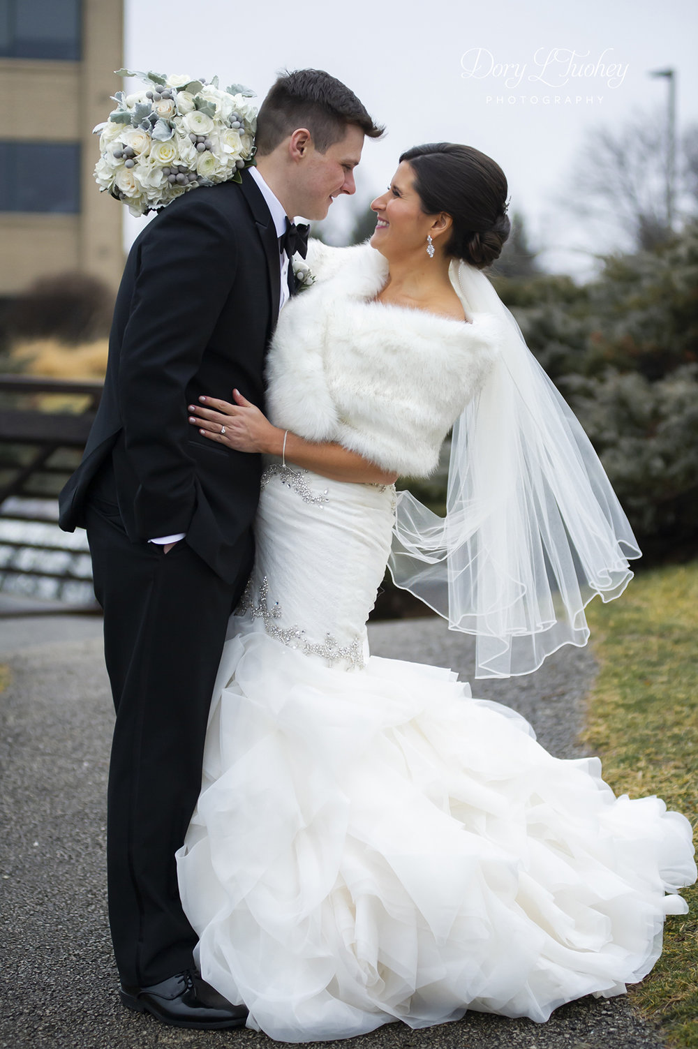 Burr_ridge__wedding_marriott_dory_photographer_illinois_gold_new_years_eve_nye_18.jpg