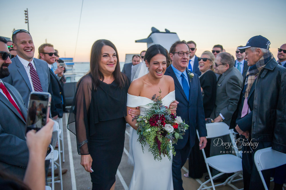 Dory_chicago_wedding_navy_pier_boat_cruise_skyline_sunset_jewish_bride_groom_19.jpg