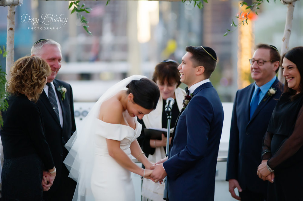 Dory_chicago_wedding_navy_pier_boat_cruise_skyline_sunset_jewish_bride_groom_22.jpg