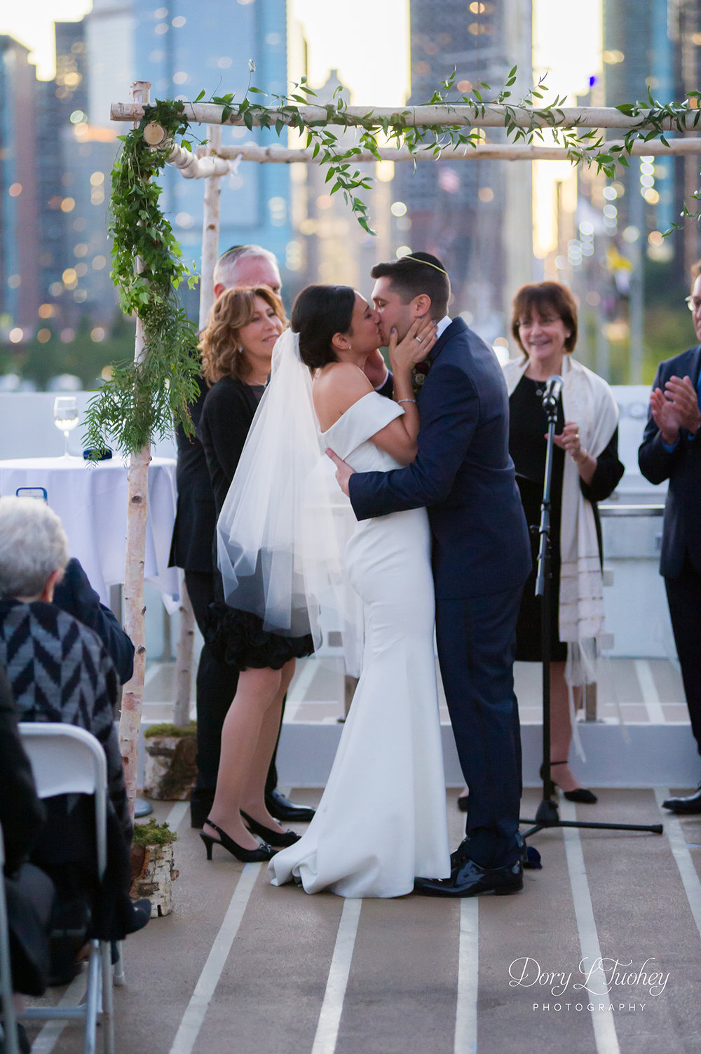Dory_chicago_wedding_navy_pier_boat_cruise_skyline_sunset_jewish_bride_groom_23.jpg