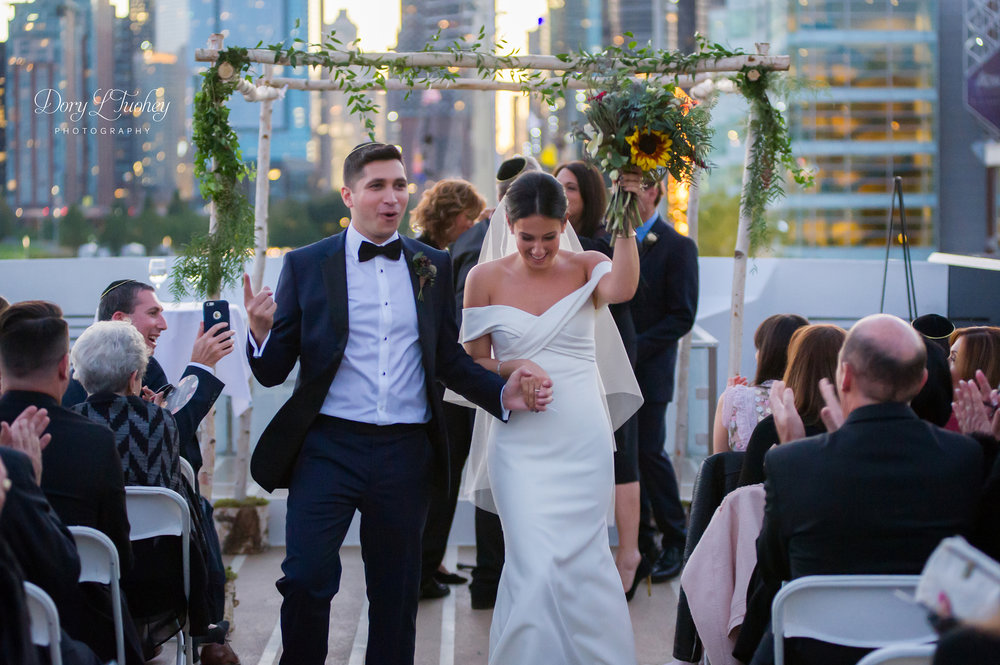 Dory_chicago_wedding_navy_pier_boat_cruise_skyline_sunset_jewish_bride_groom_24.jpg