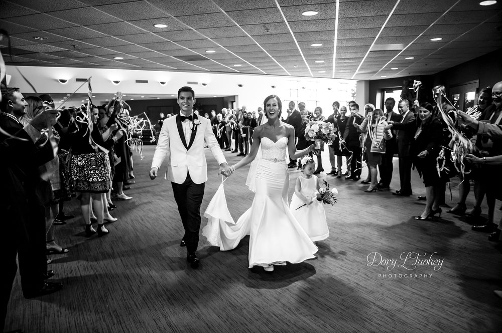 wedding_naperville_photographer_bride_dory_groom_confetti_salon_07.jpg