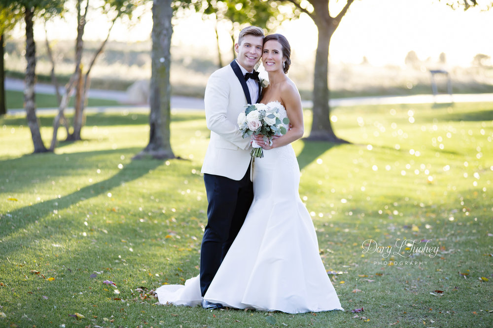 wedding_naperville_photographer_bride_dory_groom_confetti_salon_09.jpg