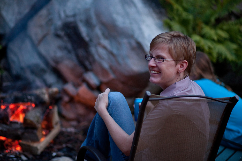 Enjoying the backyard fire pit, photo: Cornelia Theimer Gardella