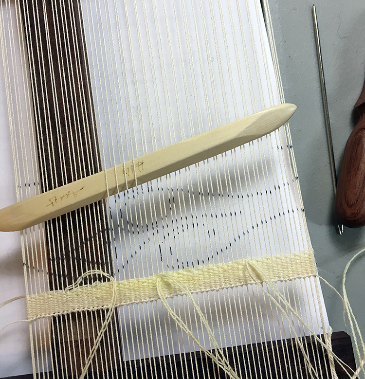 Weaving with two shades of yellow