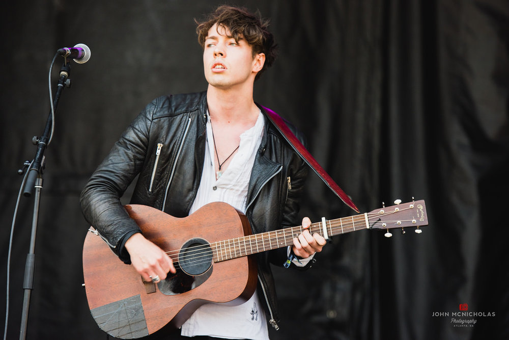 Barns Courtney_27568643680_l.jpg