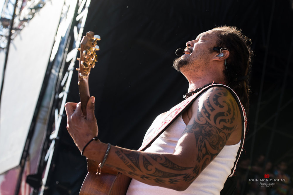 Michael Franti and Spearhead_26929647886_l.jpg