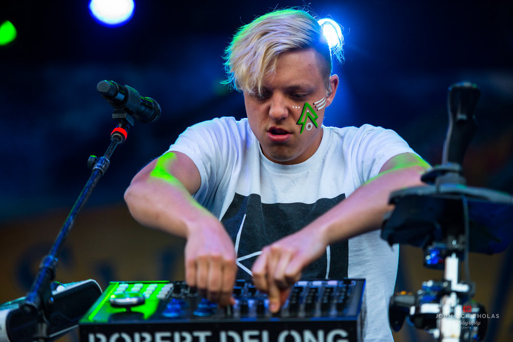 Robert Delong_26894862631_l.jpg