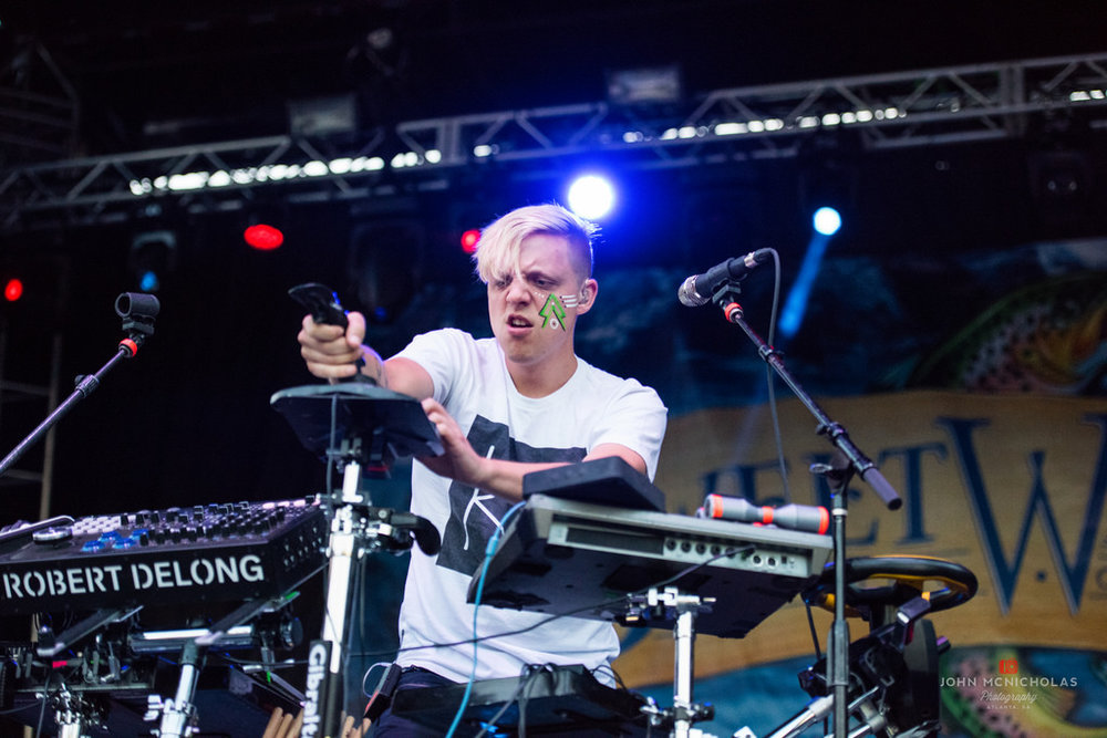 Robert Delong_26929900346_l.jpg
