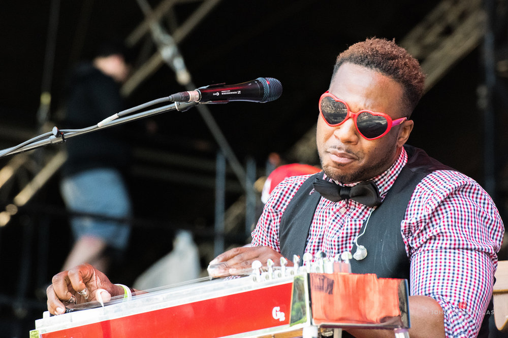 Robert Randolph and the Family Band_26234292794_l.jpg