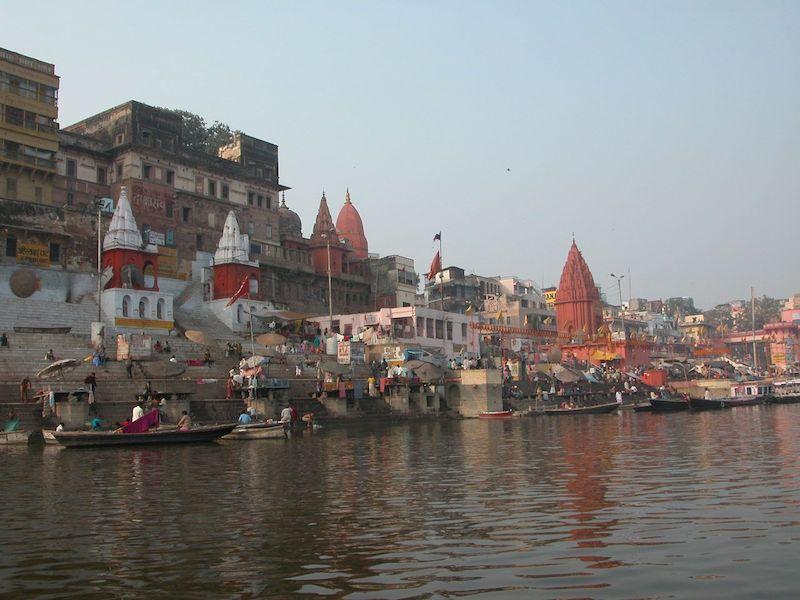 boat in ghat,2.jpg