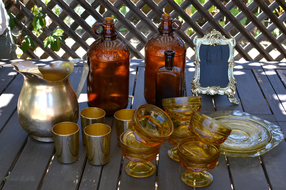 gilded_table_items02.jpg