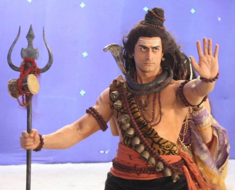 180973-mohit-raina-as-shiv.jpg