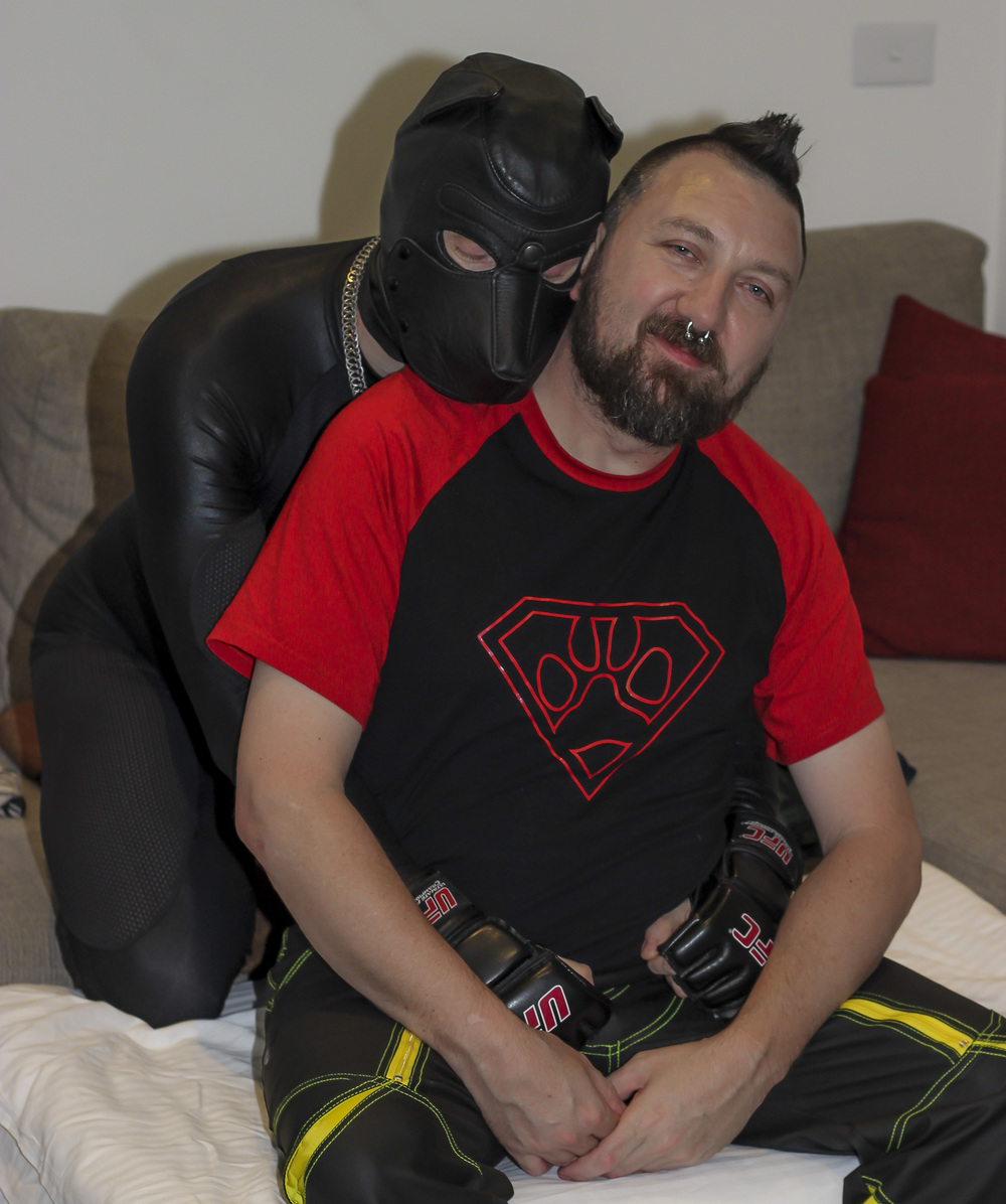 A relaxed atmosphere in human pup play is ideal for you both