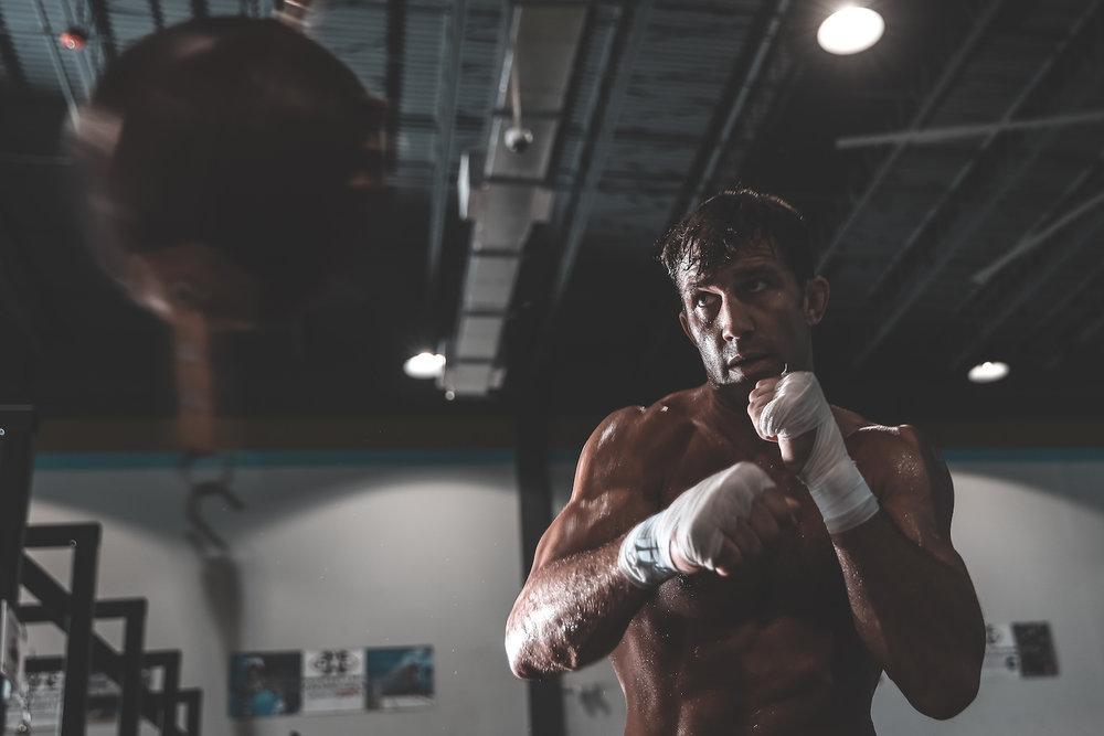 Luke Rockhold staying sharp. Ft. Lauderdale, FL.
