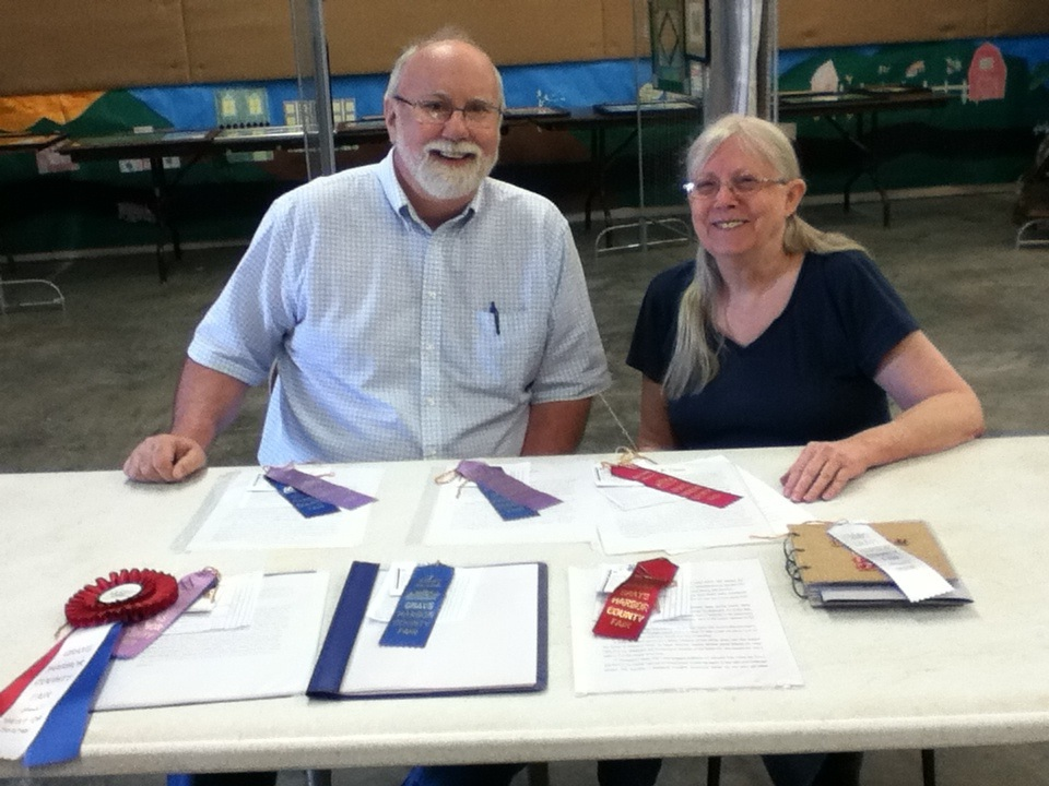 Kyle Pratt and Janice Clark at the Grays Harbor Fair