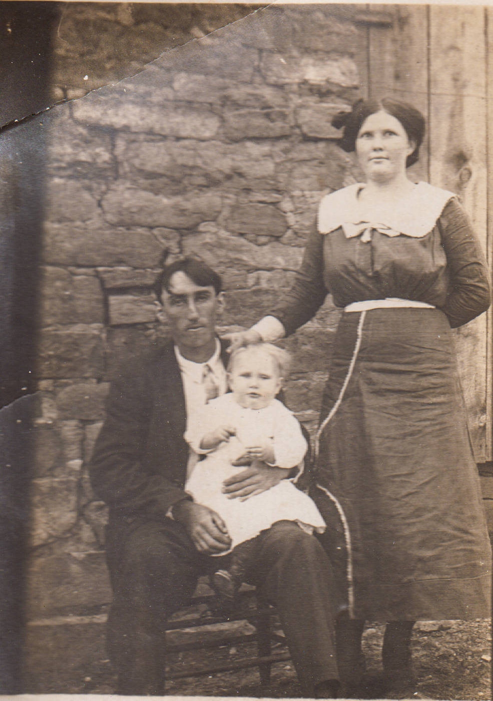 Pearl Thornton Pratt with her husband James and first child William