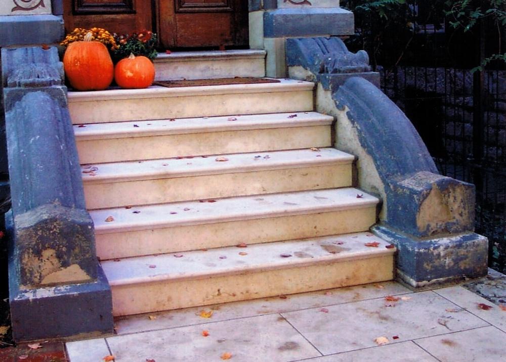 R8ferris steps.jpg