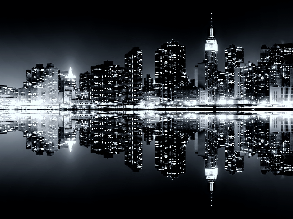 Manhattan Reflections Skyline Wallp TLG.png