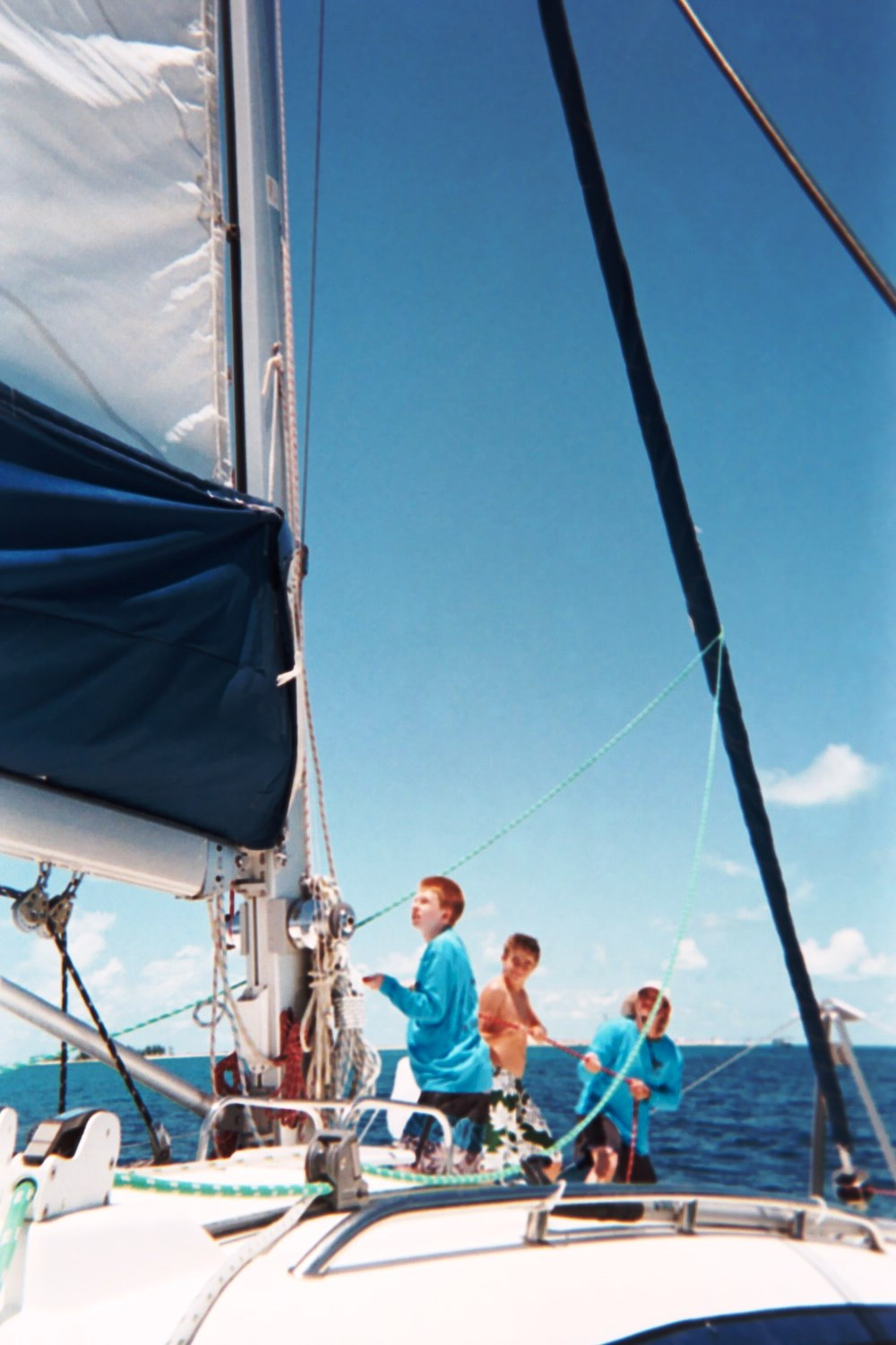 2015-Hoisting the Mainsail.jpg
