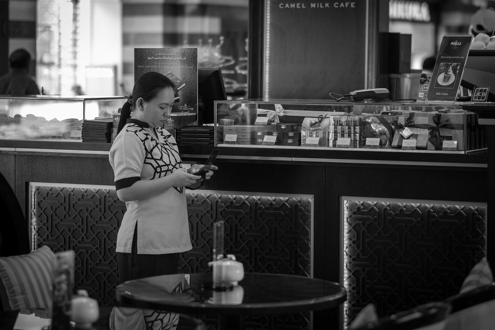 Dubai Mall - Sometimes, texting is the only way - X-T1.