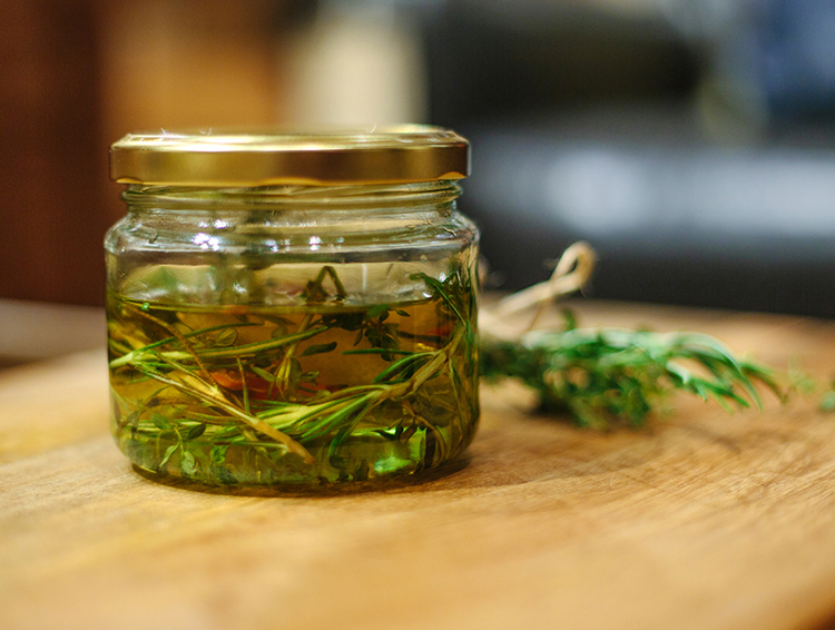 Erika Rax - Kinfolk Sydney Herbal Infusions Workshop
