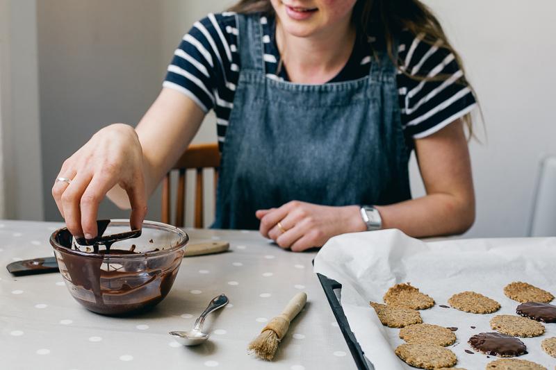 homemade hob nobs with amalie o'neill | erika rax