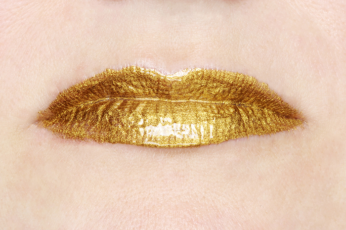 Tiffiany Parbs, Precious, 2009, 24kt gold, lipstick compound, 340 x 475 x 35mm.  Photography by Terence Bogue.
