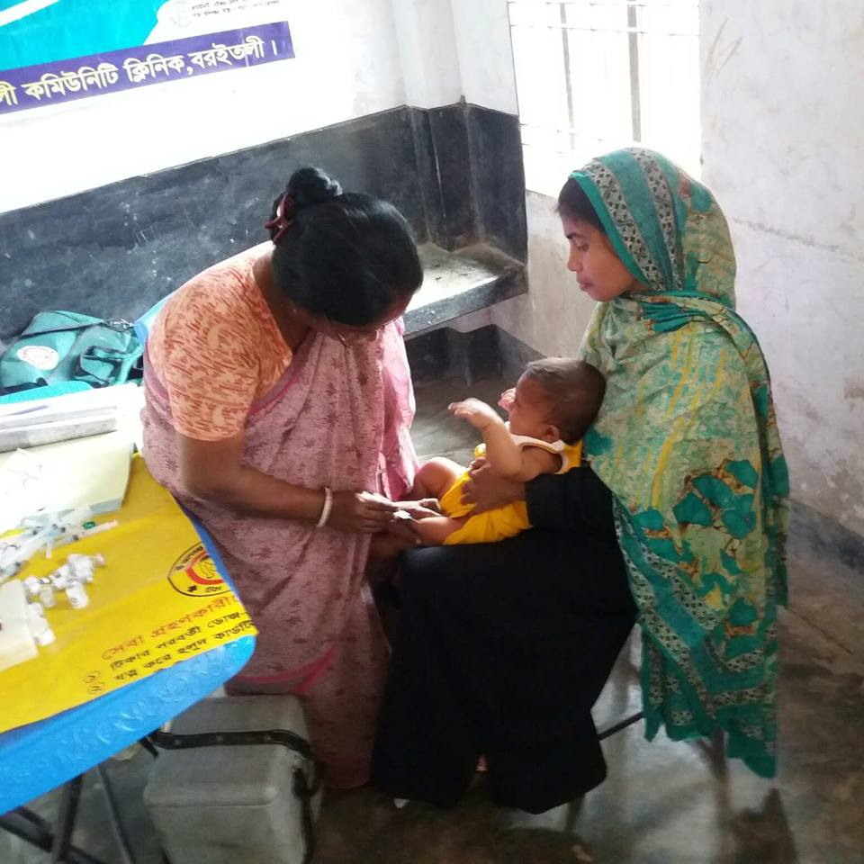EPI vaccination at community clinic
