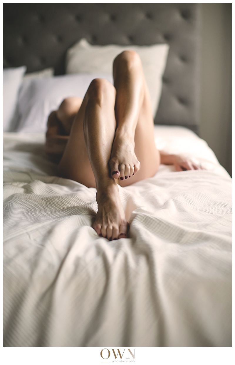 sexy legs on a bed atlanta boudoir own boudoir