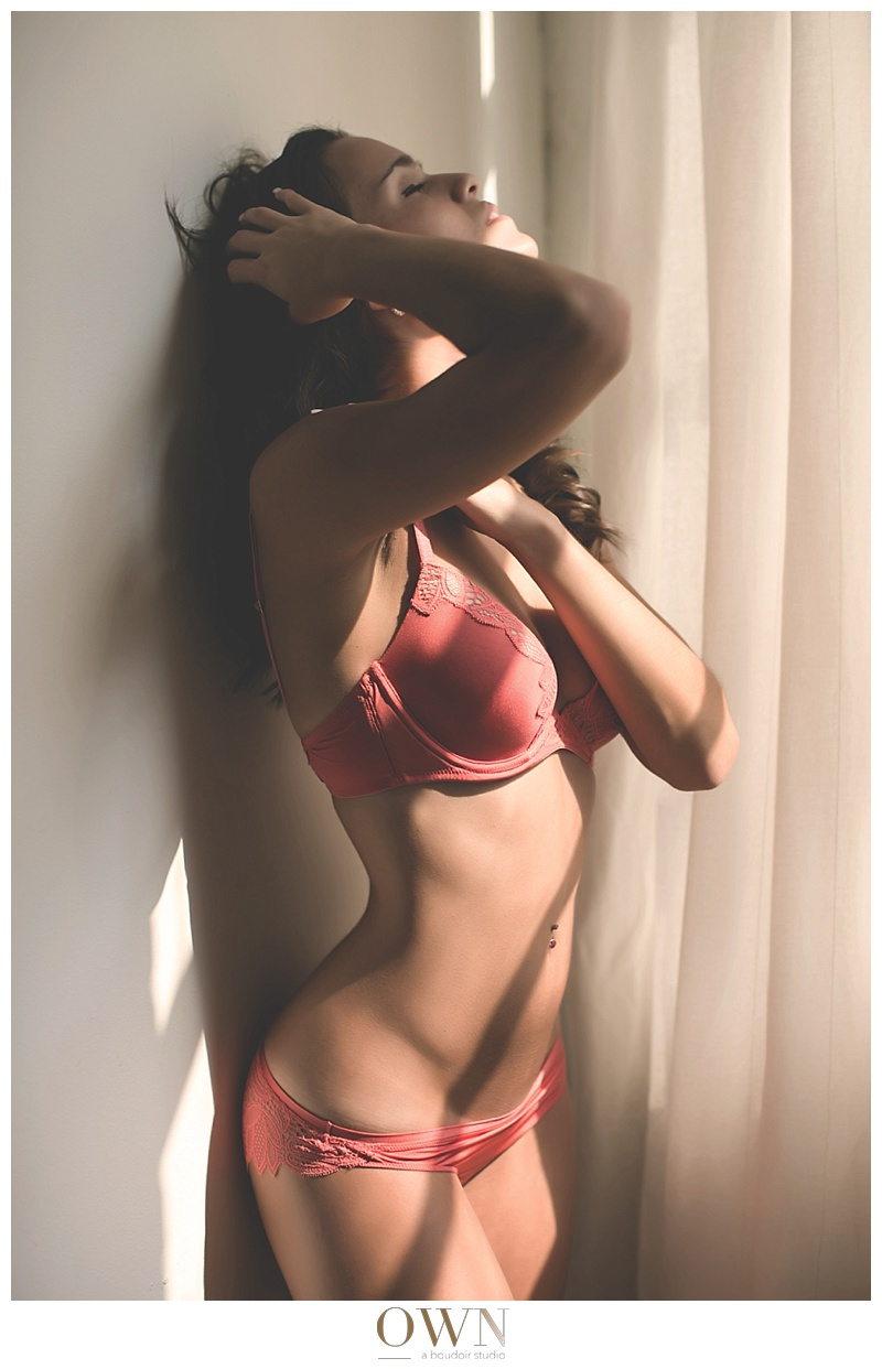 dramatic light boudoir photography own boudoir