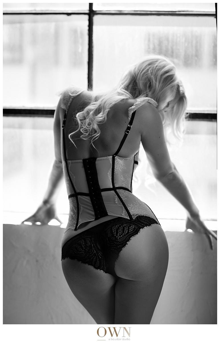 corset from behind boudoir photographer butt shot