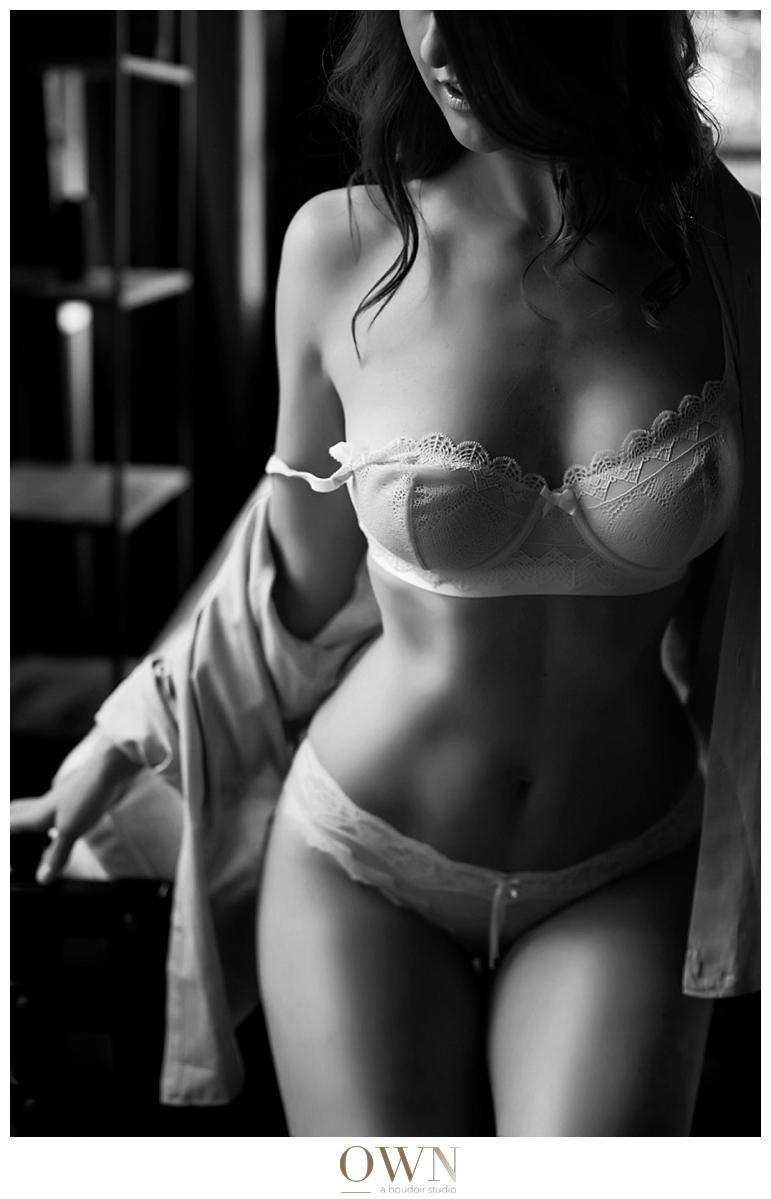 black and white boudoir image atlanta boudoir photography