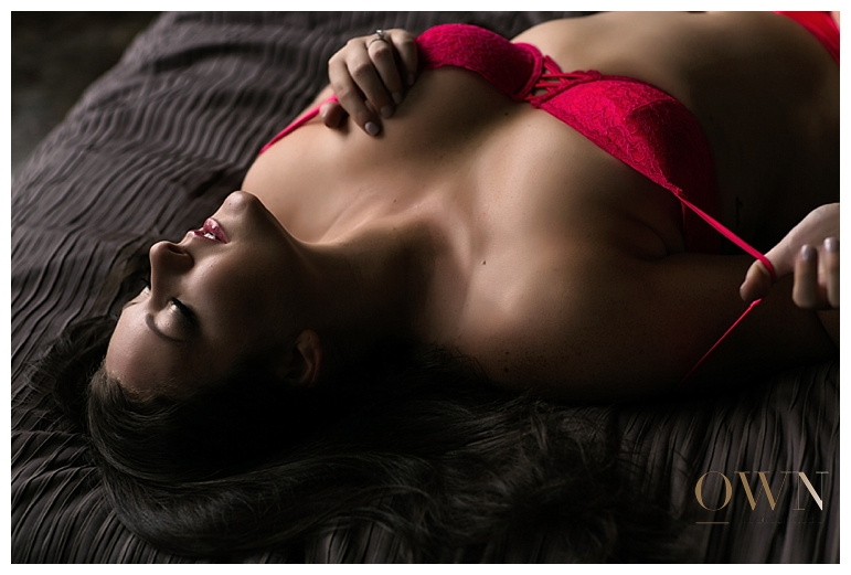 red lingerie, lingerie ideas, boudoir pose ideas, atlanta boudoir photographer, atlanta boudoir photography, boudoir atlanta, boudoir houston, boudoir seattle, boudoir NYC, plus size boudoir poses, boudoir pose ideas, boudoir wardrobe ideas