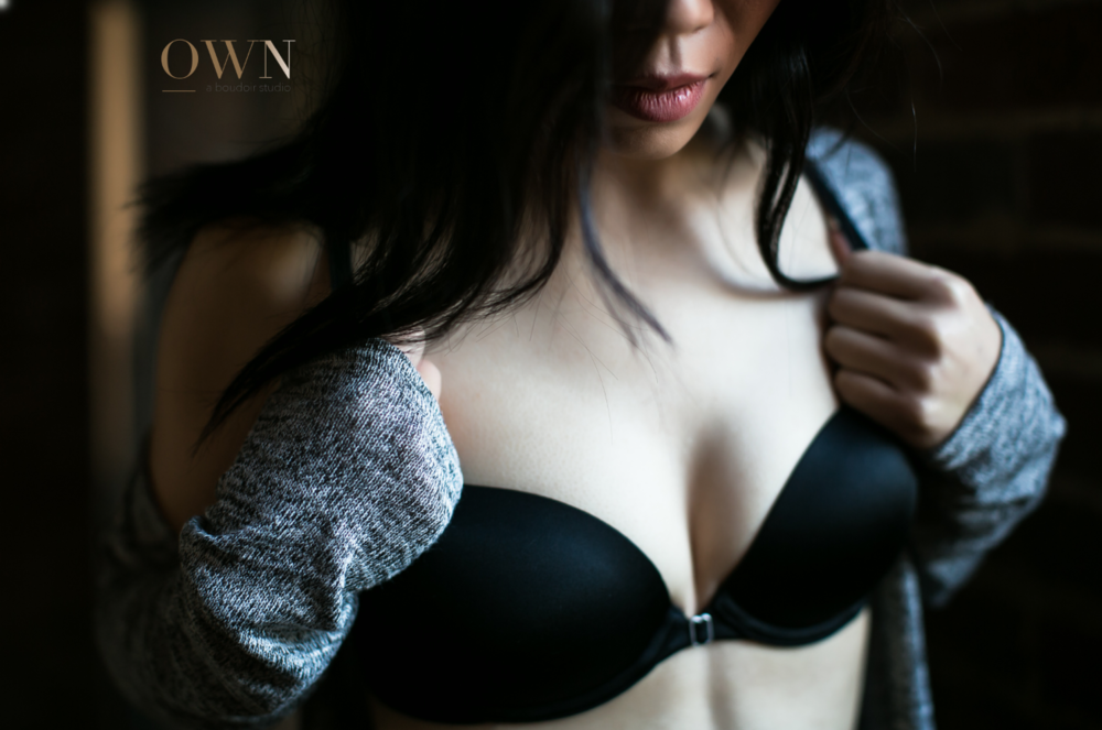 atlanta boudoir photography, boudoir wardrobe, wardrobe ideas, boudoir poses, classy boudoir atlanta