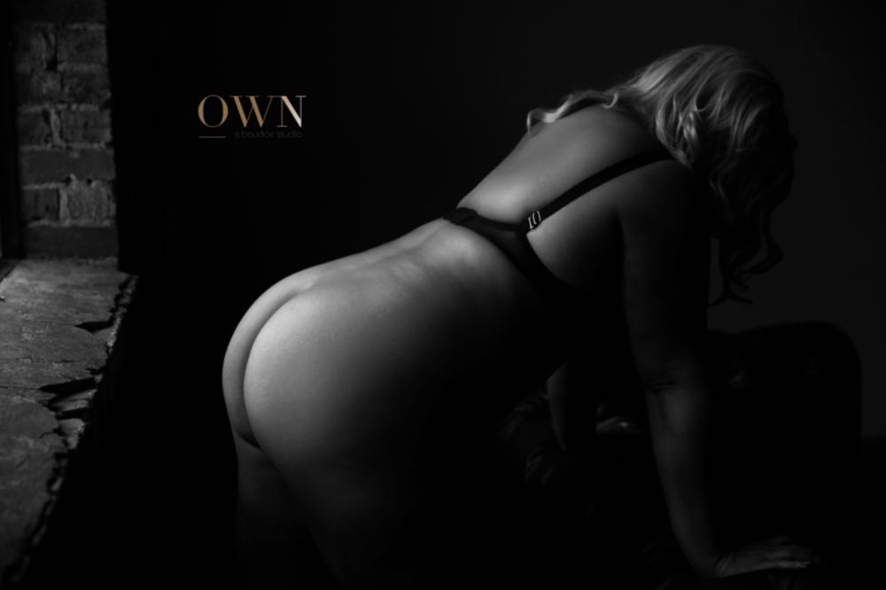 atlanta boudoir session, atlanta boudoir photographer, boudoir photography, boudoir session, atlanta boudoir, black and white boudoir