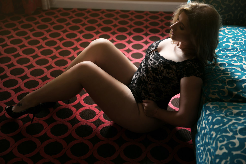 chicago boudoir, boudoir photographer, boudoir session hotel monaco chicago