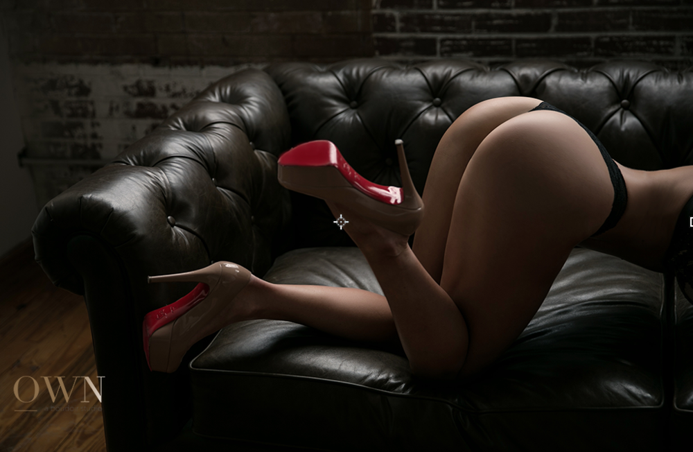 atlanta boudoir, atlanta boudoir photographer, louboutin boudoir, red bottom boudoir, atlanta boudoir review