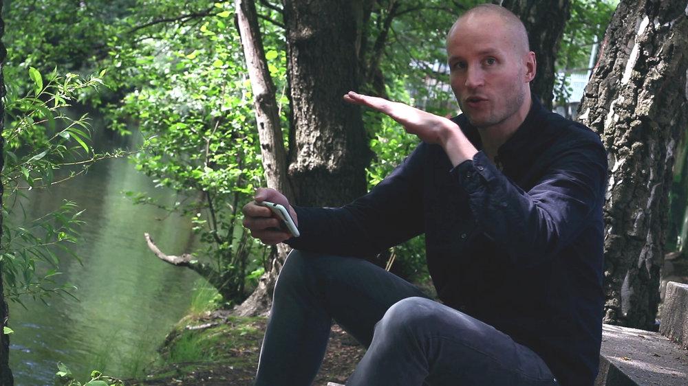 En scene (2014-2018) - En nettserie for Filter Film og TV hvor kinoaktuelle norske regissører forteller historien bak en enkeltscene i filmen sin.