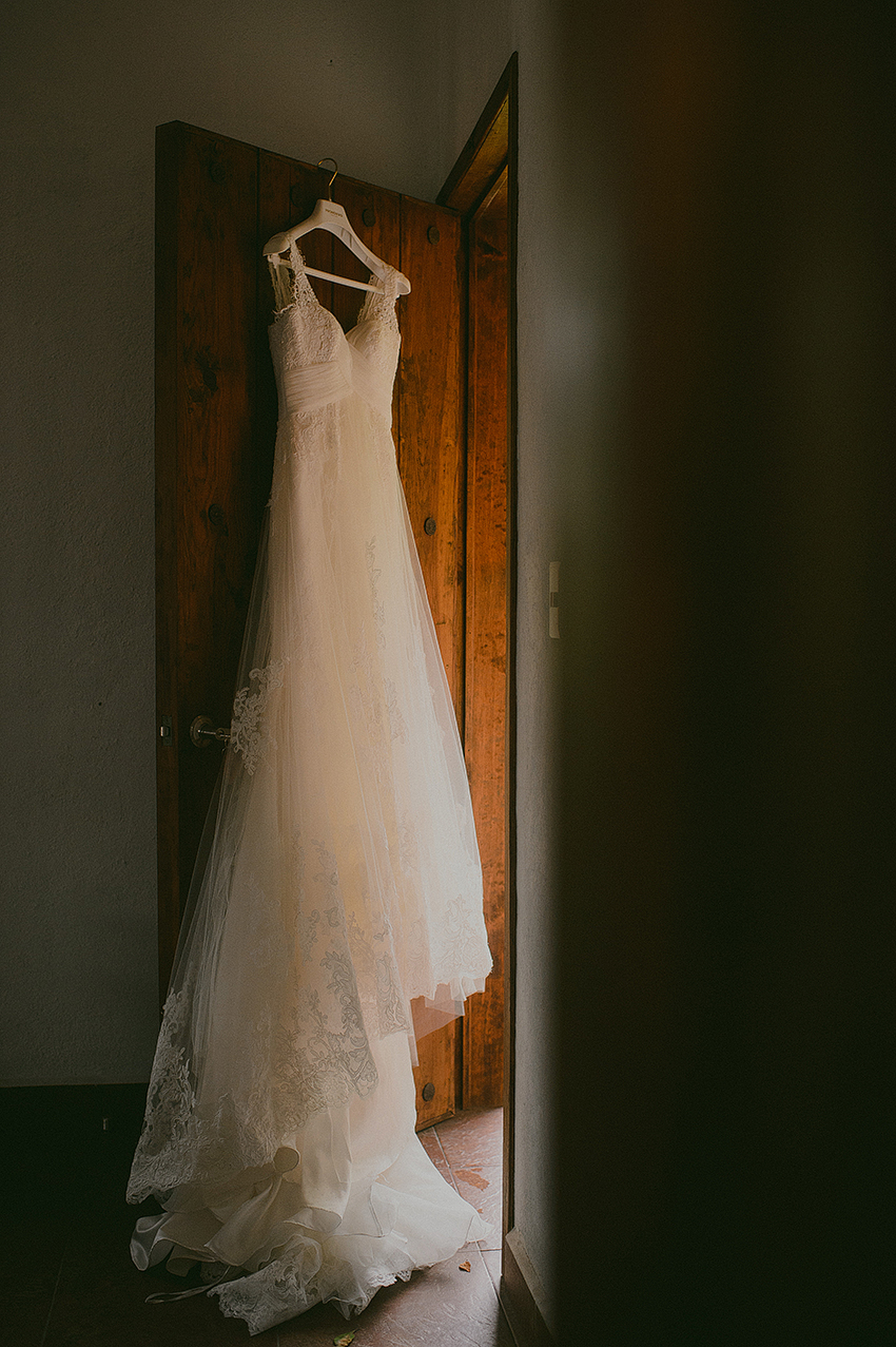 AnaCeci+Luis_Blog_KapePhotography_Cuernavaca_DestinationWedding_Mexico_WeddingPhotographer_004.jpg